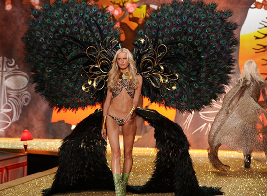 Victoria's Secret Fashion Show-2010 - Нью-Йорк
