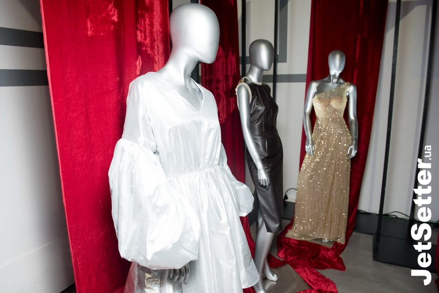 UFW: Oscar Fashion Exhibition